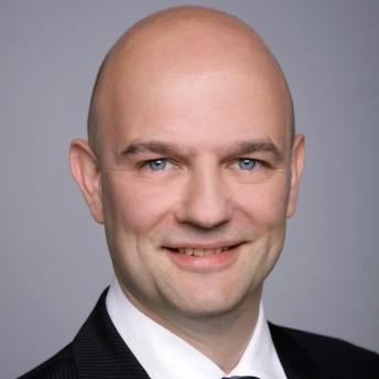 Roger Schneider1